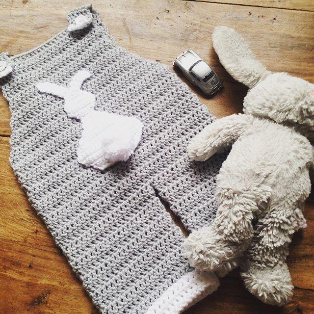 lou.teacrochet crochet baby bunnie