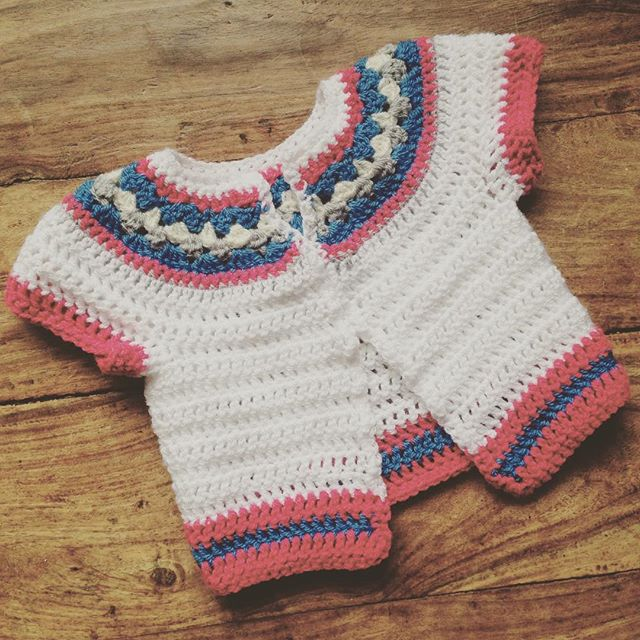 lou.teacrochet crochet baby cardi