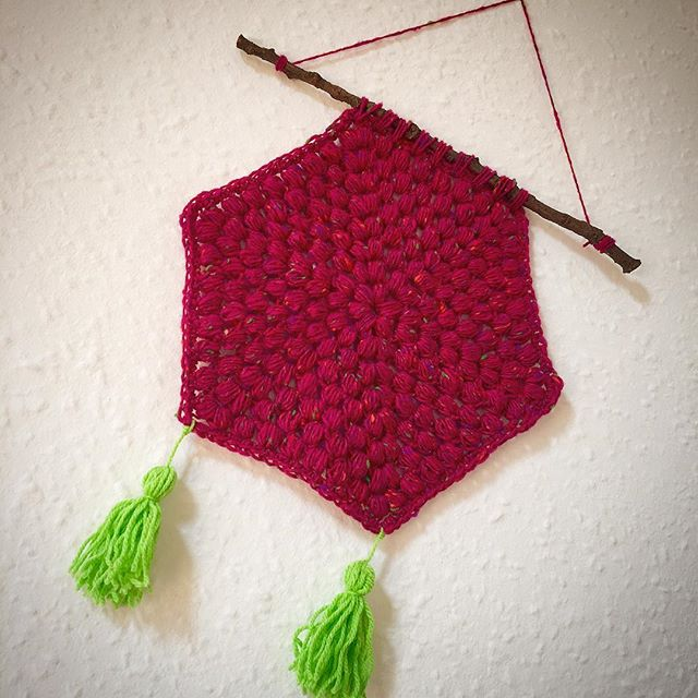 makingpolly crochet wall hanging