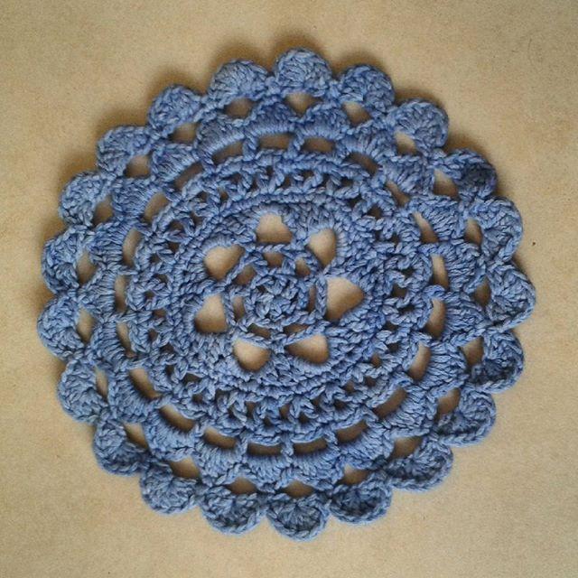 mammalanie crochet mandala blue
