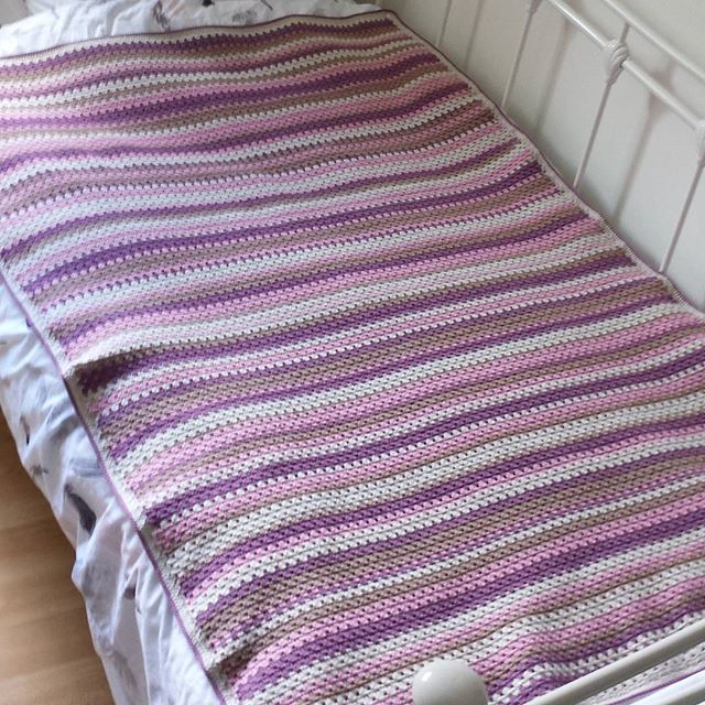 milkepetal crochet purple granny stripe blanket