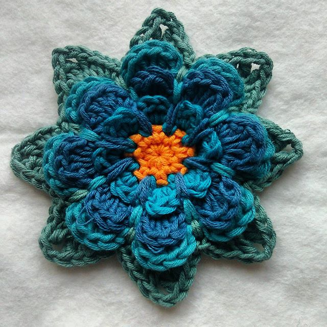 nelnanandnora crochet flower