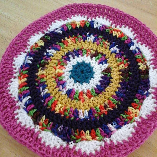 offthehook.susan crochet mandala designed for wink