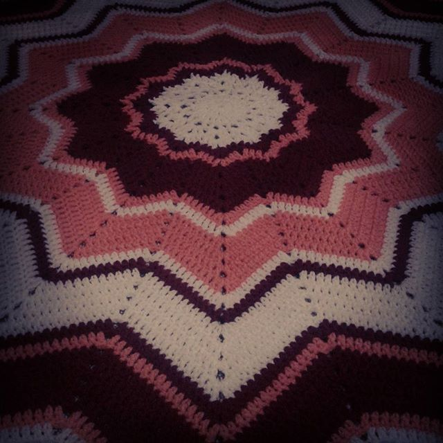 oumnisrine crochet ripple star blanket