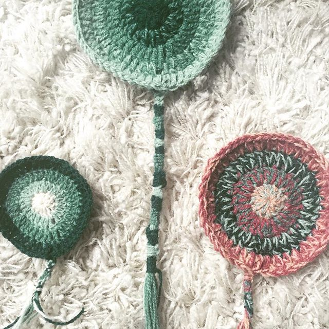 playing with crochet ends on mandalas
