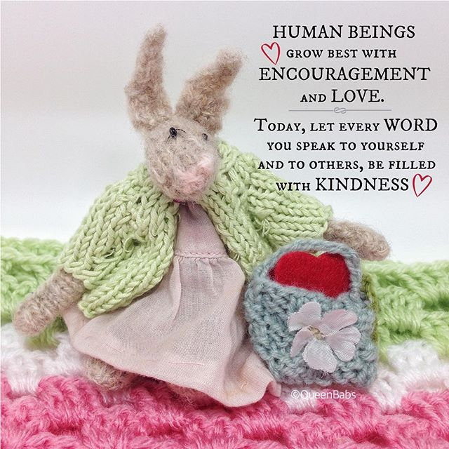 queen_babs crochet inspirational thoughts with knit bunny