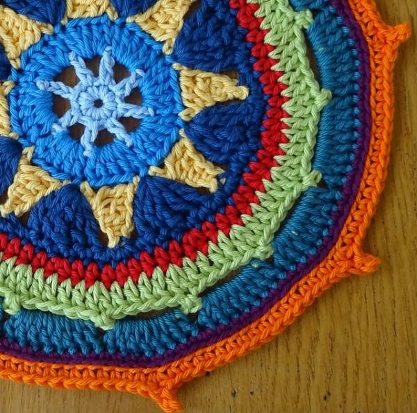 étoilé mandala crochet pattern