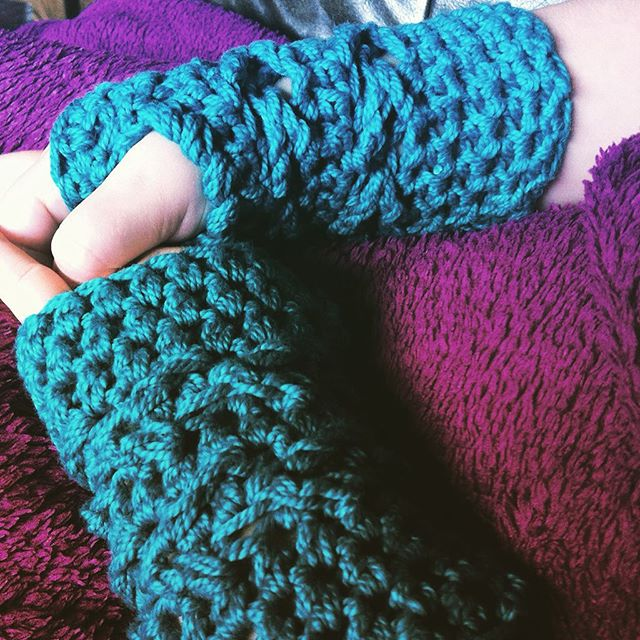 stephaniedavies crochet fingerless gloves