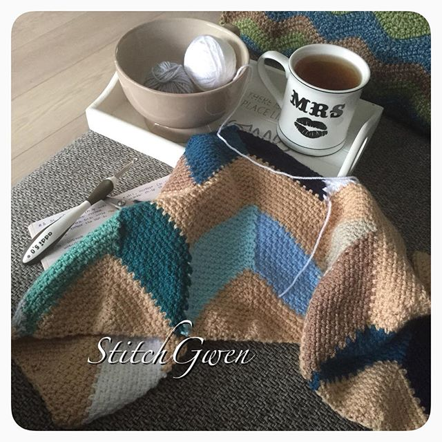 stitchgwen crochet beach hut blanket