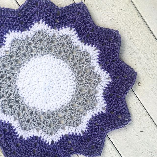 thatgirlwhocrochets crochet ripple star