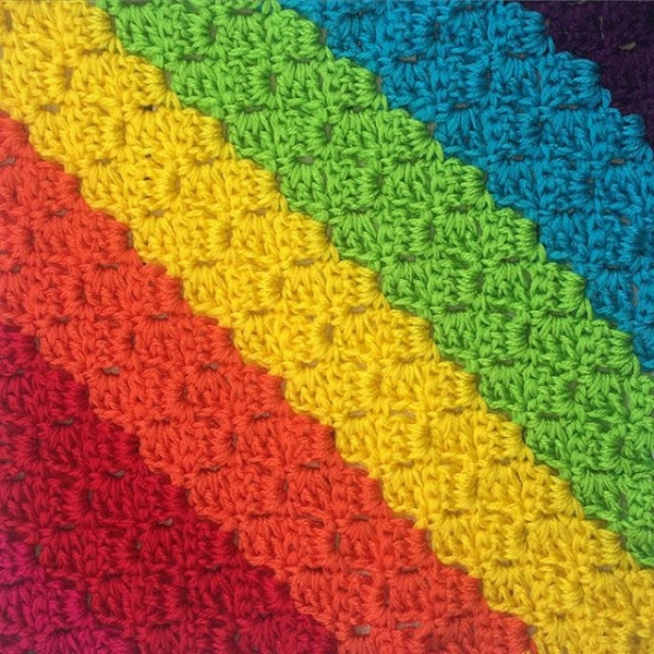 thatgirlwhocrochets rainbow crochet diagonal stripes