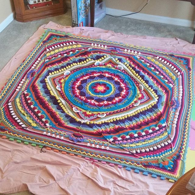 thegirllovesyarn crochet sophie blocking