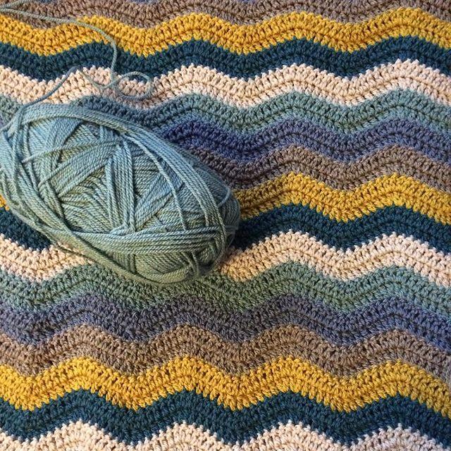 thepolkadotgiraffe crochet chevron ripples