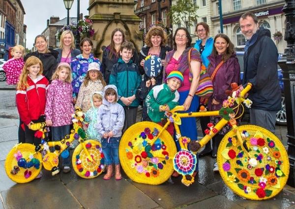 yarnbomb crochet bikes