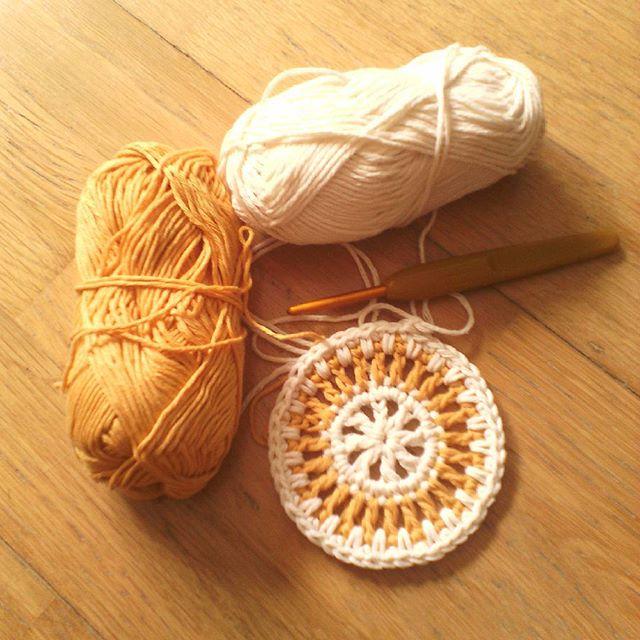 ana.moraissoares crochet circle