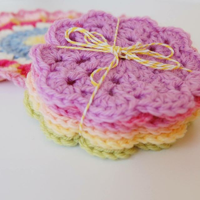 bathcrochetretreat crochet flowers
