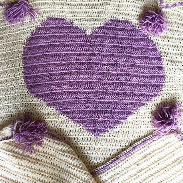 cozamundo crochet heart blanket