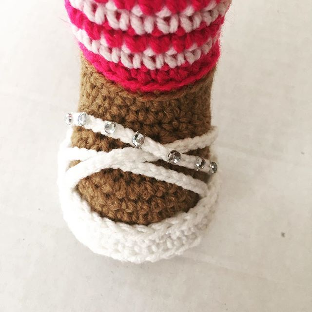 crochet doll sandals by offdhookcreations