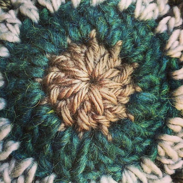 crochet mandala details center vercillo