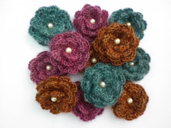crochet pearl flower brooch free pattern