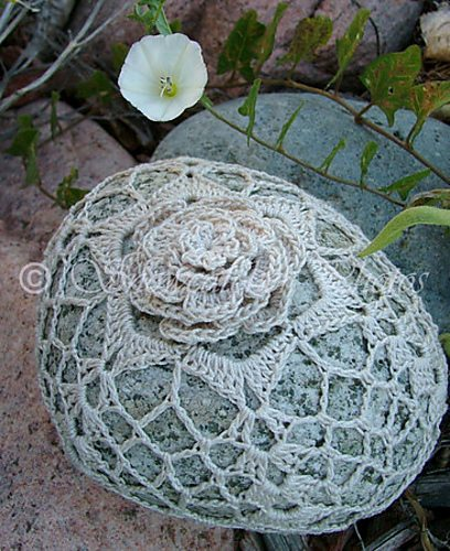 crochet snowflake flower rock pattern