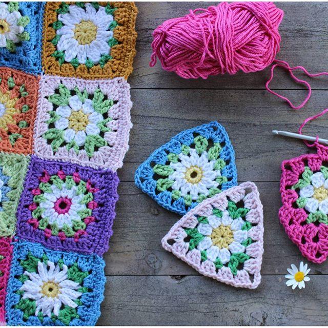 crochetgirl99 crochet daisy triangles