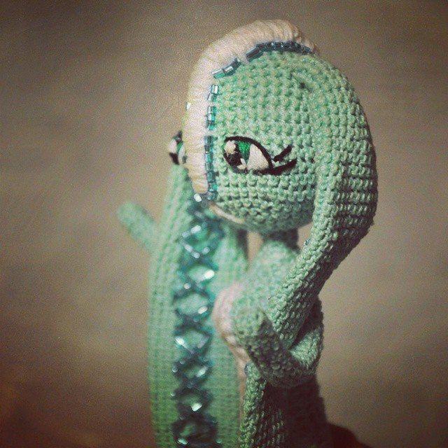 faurik crochet art doll