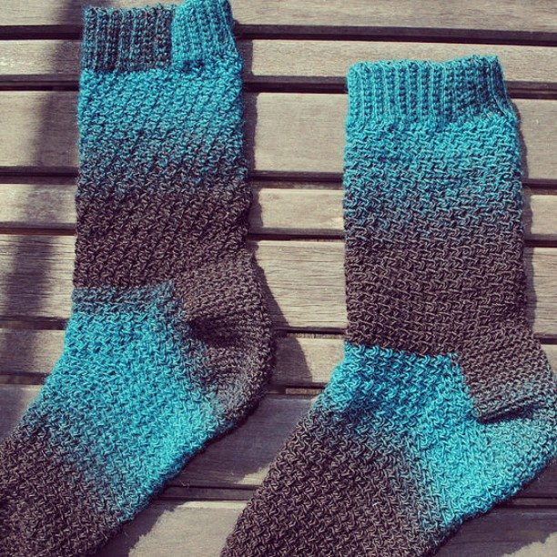 featherandthread crochet socks