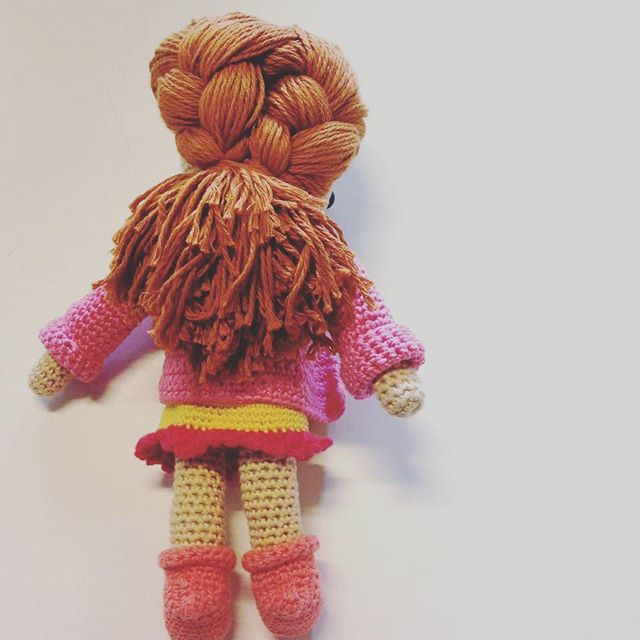 flamingpot crochet doll with long hair