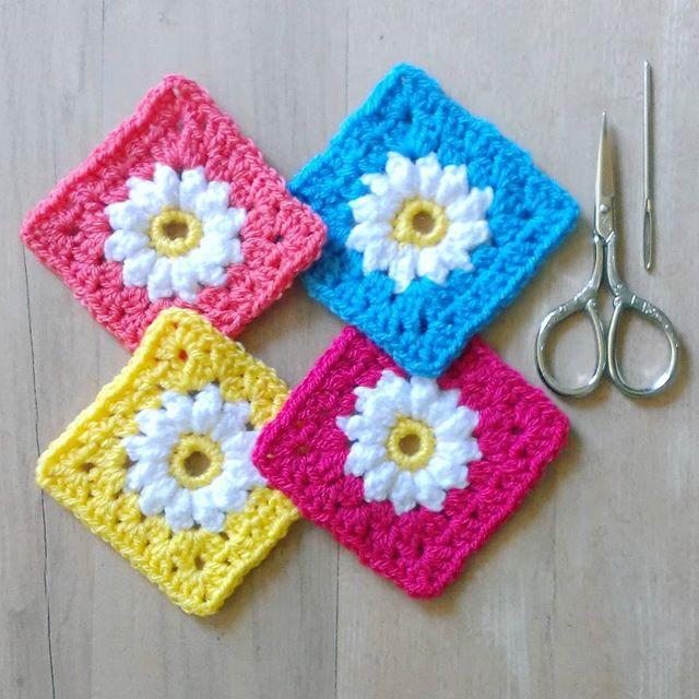 flossiecottage crochet flower squares