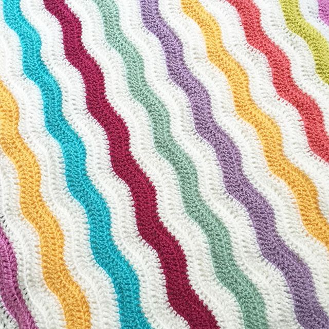 forever__autumn__ crochet wave blanket