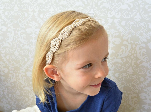 Gold crochet headband free pattern from Mama In a Stitch