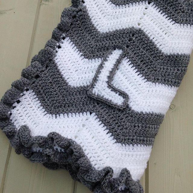gooseberyfool crochet chevron blanket