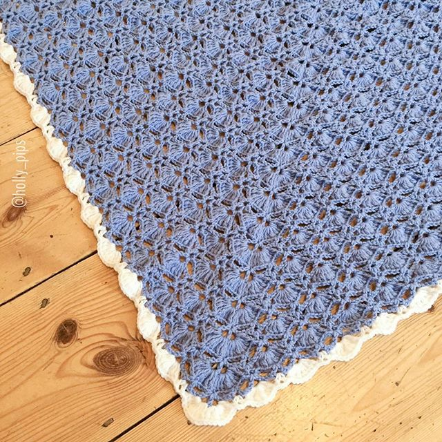 holly_pips crochet shawl