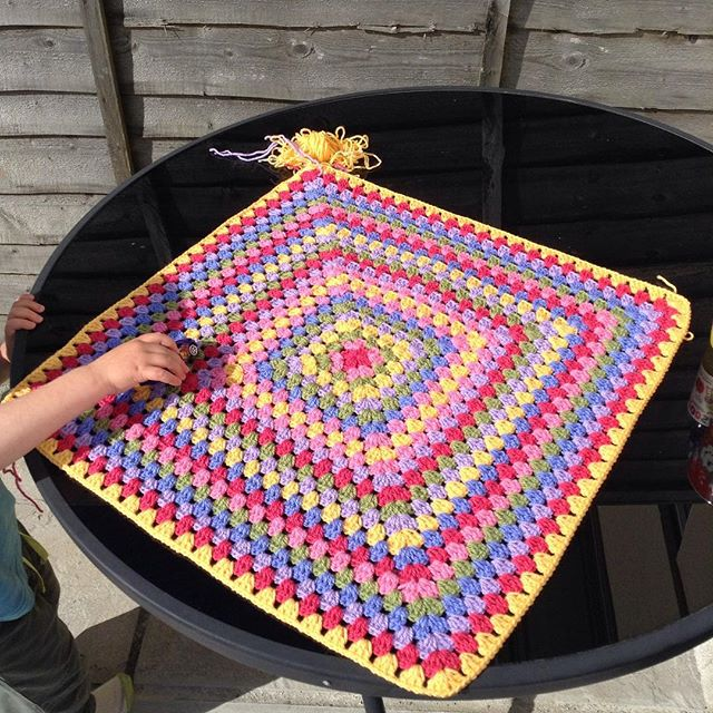 hooked__on___hooky crochet granny blanket