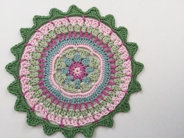 Crochet Mandala by Mariana for Wink