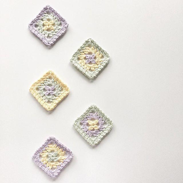 knitpurlhook crochet flower squares
