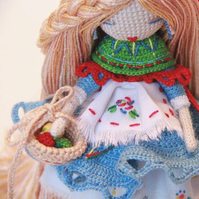 kukukolki crochet art doll with yarn basket