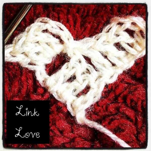link love crochet heart