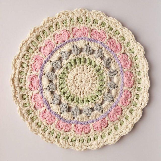 little_v_and_me crochet mandalas