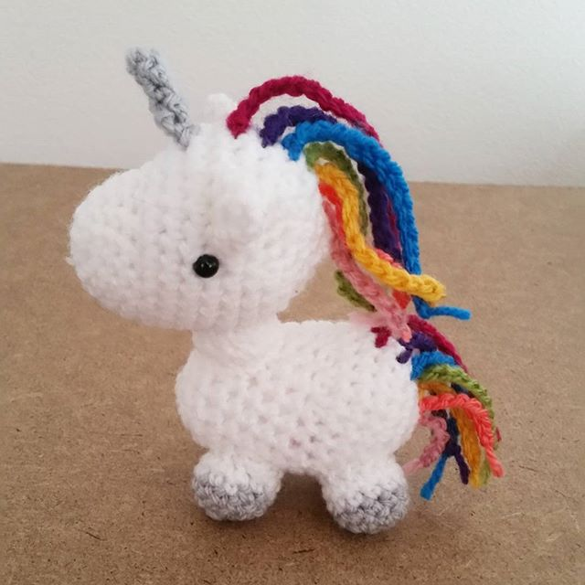 louizamakes crochet rainbow unicorn