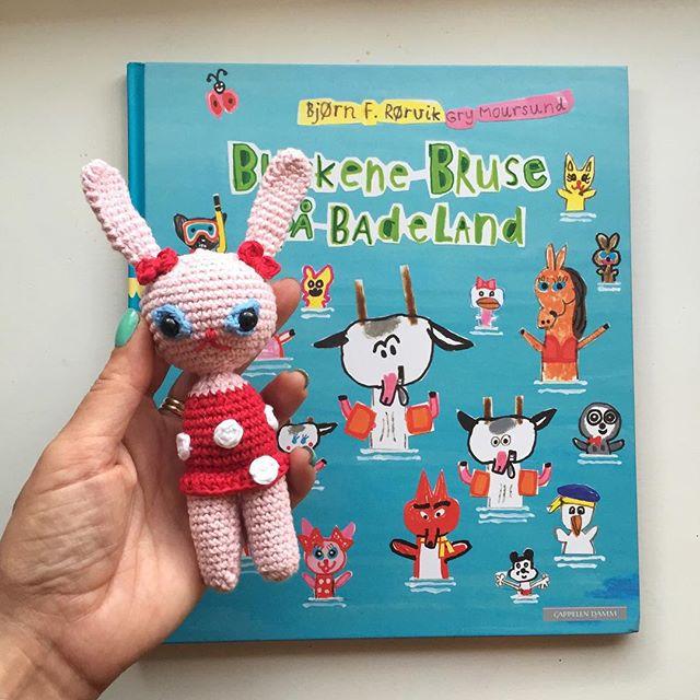 maritparit crochet doll and book