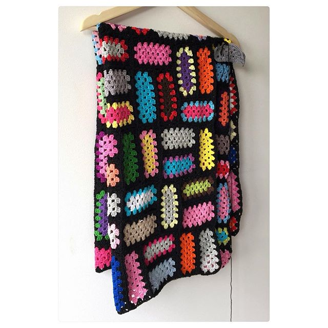marretjeroos colorful crochet rectangle granny blanket