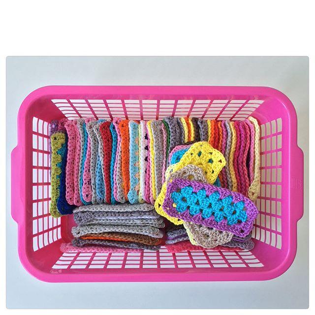 marretjeroos crochet basket