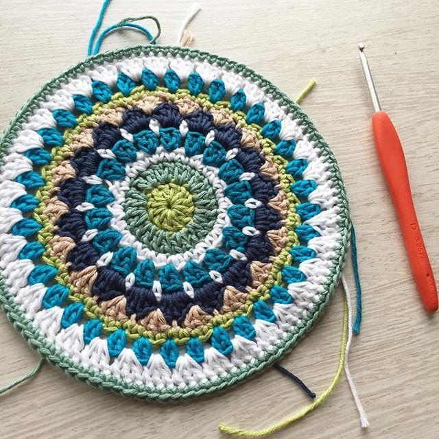 mobiusgirl crochet mandala wip