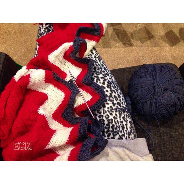 _nannaem crochet red white and blue chevron