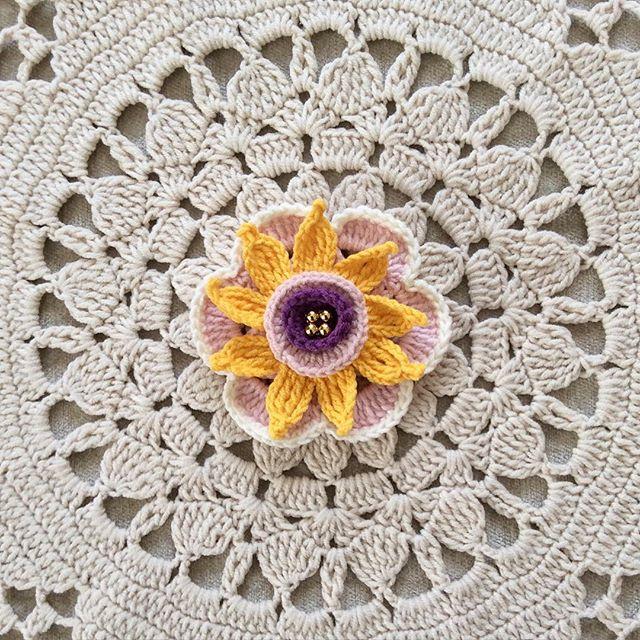 nesimerciger crochet flower doily