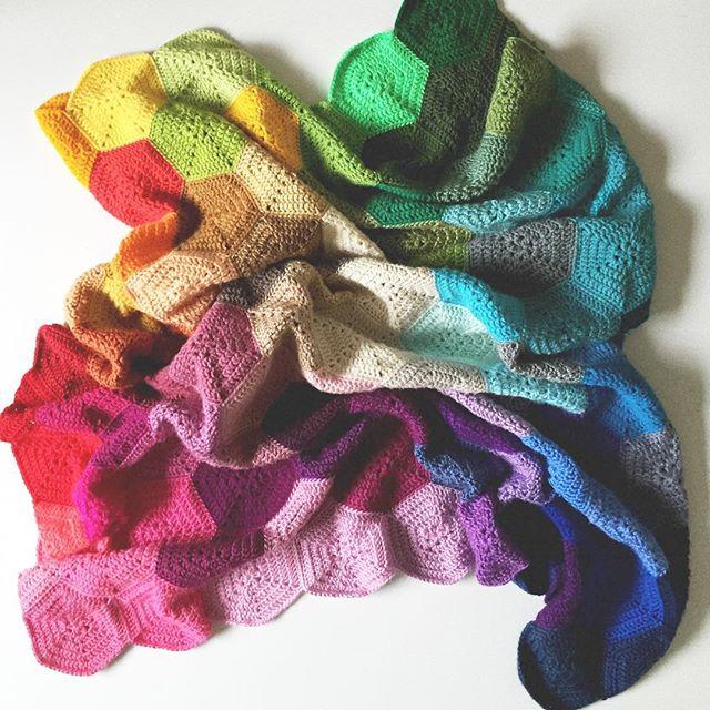 olivesandpickles rainbow crochet blanket