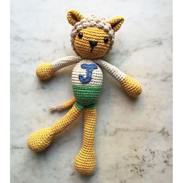 ponytales_ crochet lion doll