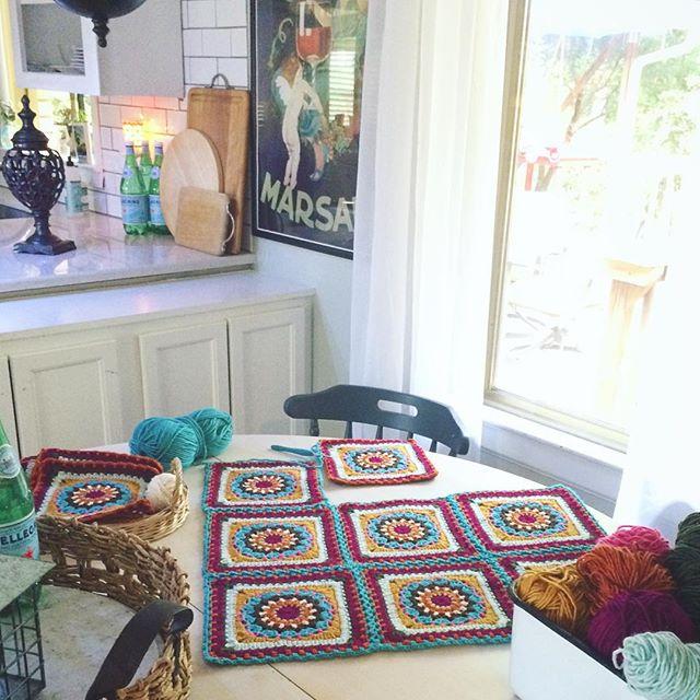 raimarie16 crochet squares space